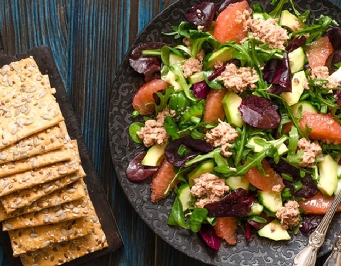 Салат с тунцом. \ Фото: google.com.ua.