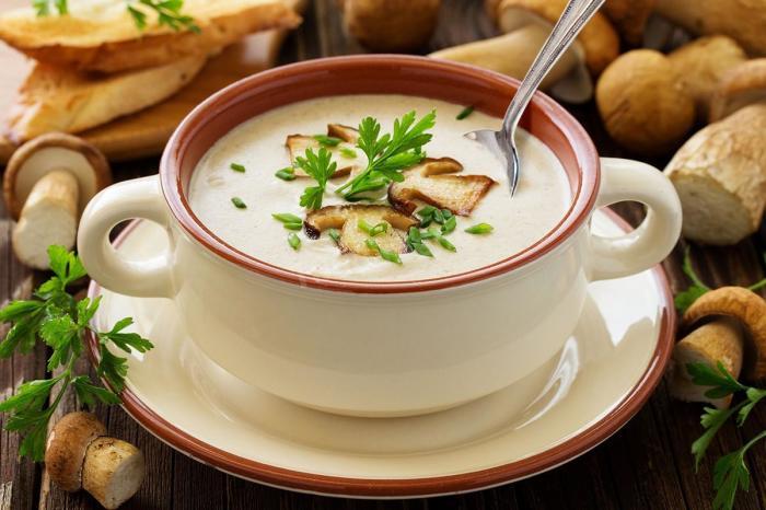 Диетический суп на скорую руку. \ Фото: 1000.menu.