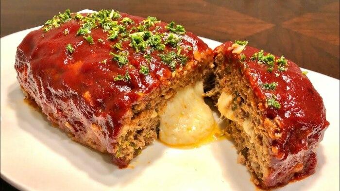 Мясной рулет из фарша с сыром. \ Фото: google.com.