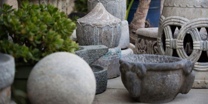 Орнаментальные каменные скульптуры.