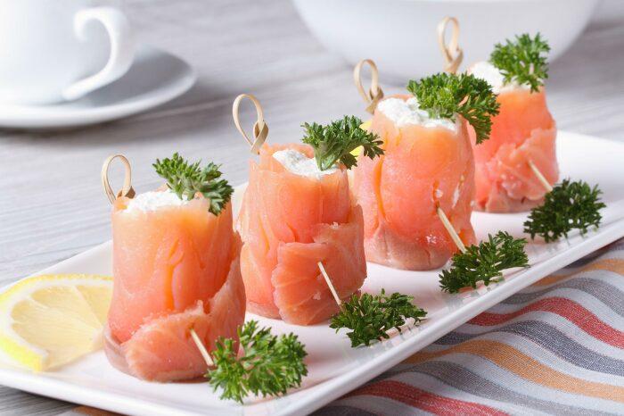 Отличная закуска для любителей рыбы. \ Фото: wecookwecare.com.