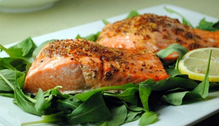 Запечённое филе лосося по-средиземноморски. \ Фото: kulinarissimo.com.