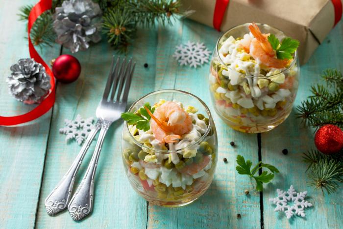 Очень вкусный новогодний салат с креветками. \ Фото: lifestyle.segodnya.ua.