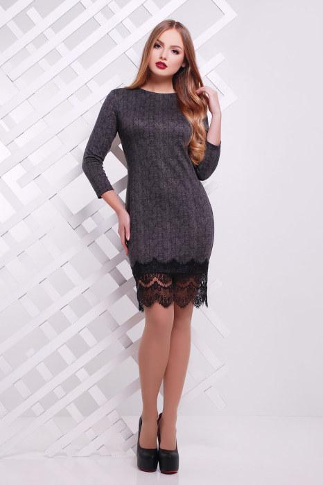 Платье, которое своим простым, но элегантным стилем, прекрасно подчёркивает фигуру.