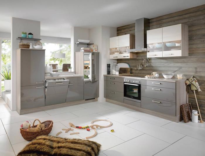 Серый глянцевый цвет прекрасно смотрится на кухонной мебели.