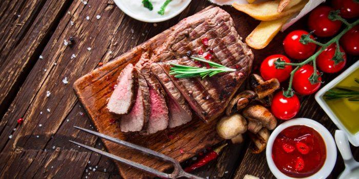 Сочная и ароматная говядина на гриле. \ Фото:  uainfo.org.