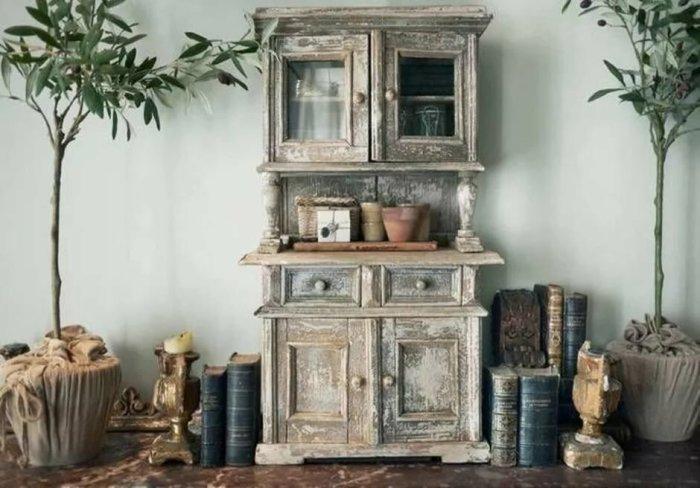 Состаривание шкафа в стиле прованс. \ Фото: severdv.ru.