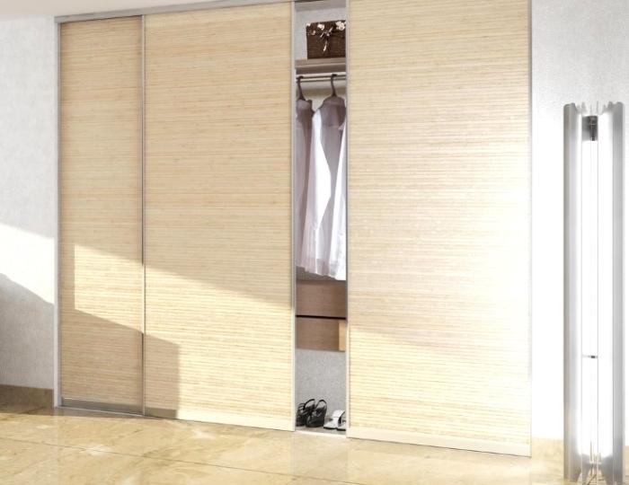 Встроенный шкаф-купе - идеальный вариант для любой прихожей.