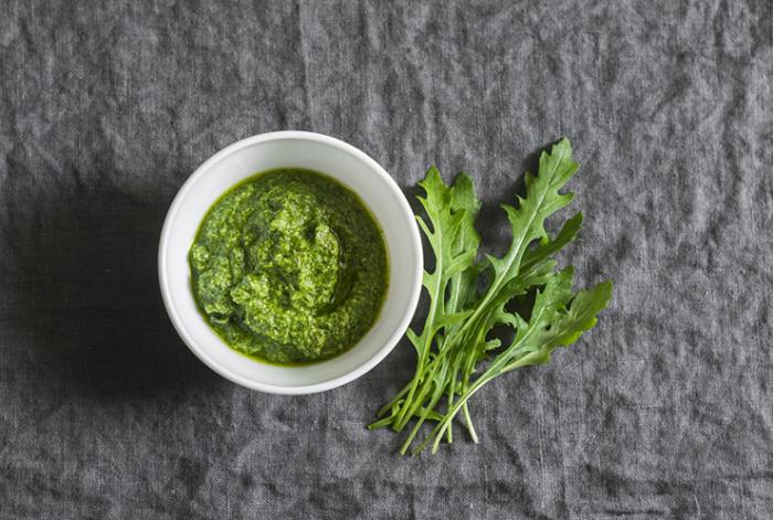Лимонный соус с рукколой. \ Фото: foodandmood.com.ua.