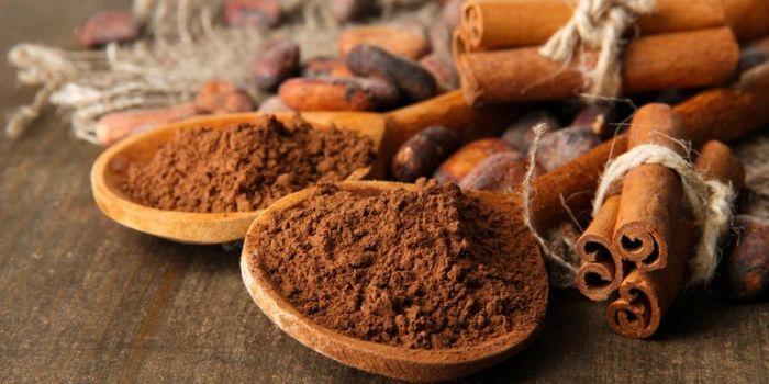 Её можно добавлять в чай, кофе, творог или йогурт, запечённые яблоки или тыкву.