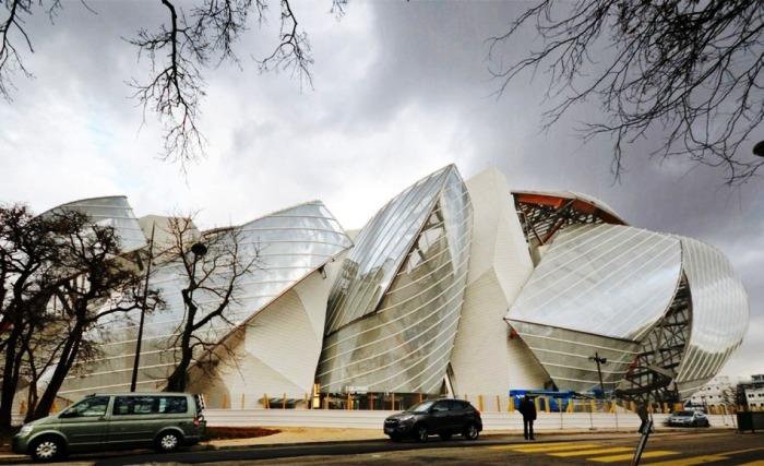 Айсберг в самом сердце Парижа, облако из стекла, плывущее над Булонским лесом… Это не фантастический роман, а реальность!
