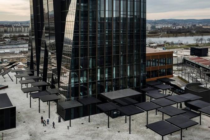 Самое высокое здание в Австрии построенное французом Домиником Перро.