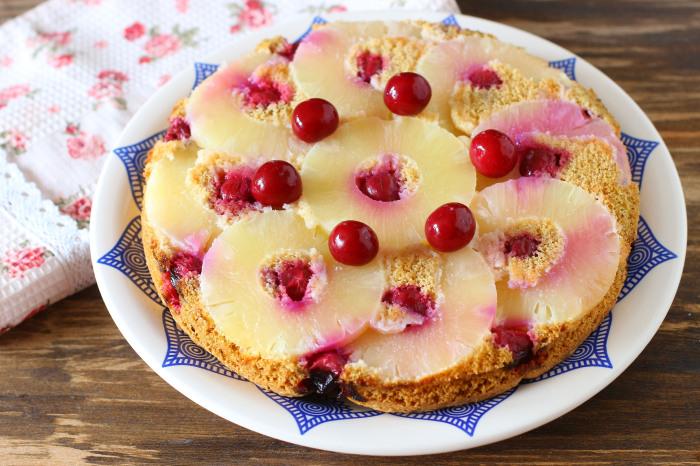 Фруктовый торт с печеньем. / Фото: topcheff.ru.