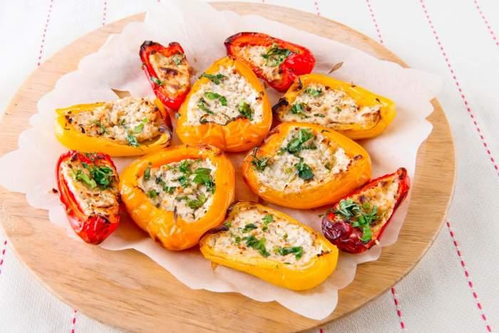 Запечённый перец с творогом и орехами. \ Фото: kulinario.me.