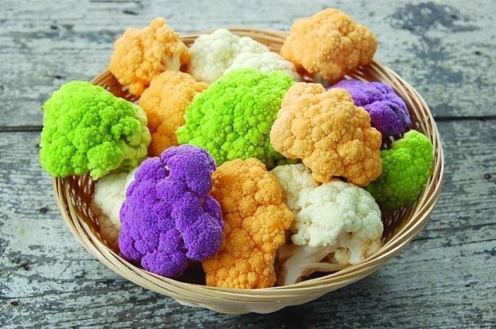 Соцветия разноцветной цветной капусты. \ Фото: sportobzor.ru.