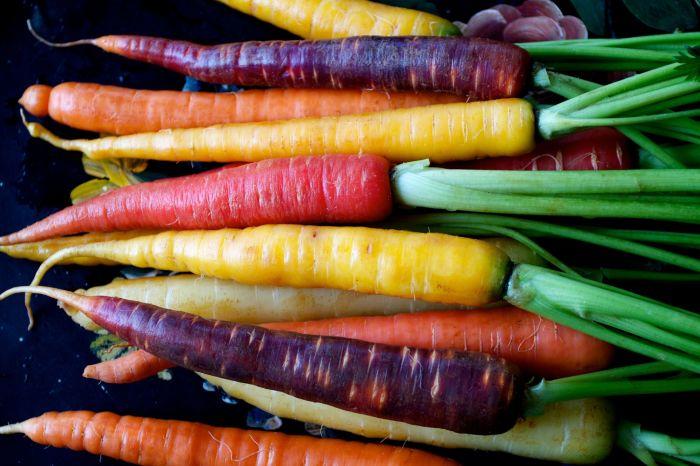 Разноцветная морковь. \ Фото: thethings.com.