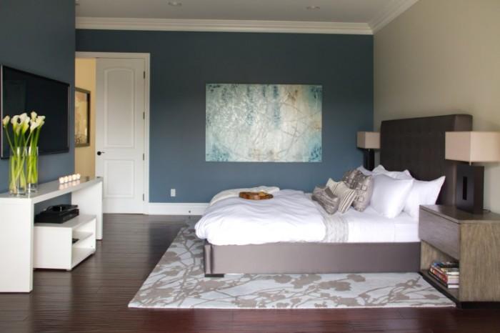 Оптимальный вариант для спальни приобретение многофункциональной мебели.
