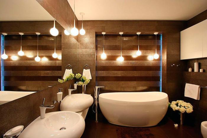 Декоративные лампочки - прекрасное украшение ванной комнаты.