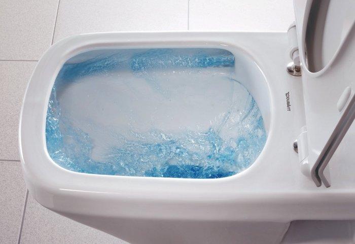 Безободковые унитазы легко поддерживать в чистоте. Такой дизайн и специальное покрытие способствует идеальному направлению потока воды, которая омывает всё внутреннее пространство.