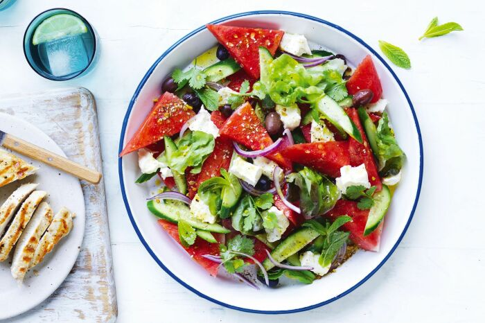 Салат с арбузом и фетой. \ Фото: taste.com.au.
