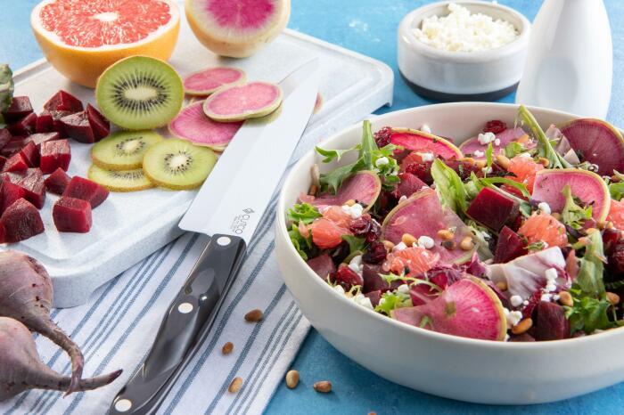 Ягодно-овощной салат. \ Фото: google.com.