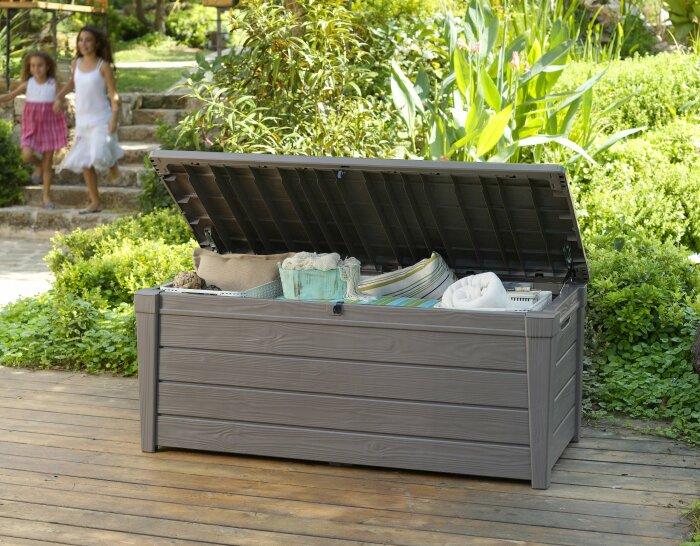 Ящик для хранения подушек и пледов. \ Фото: mondopratico.it.