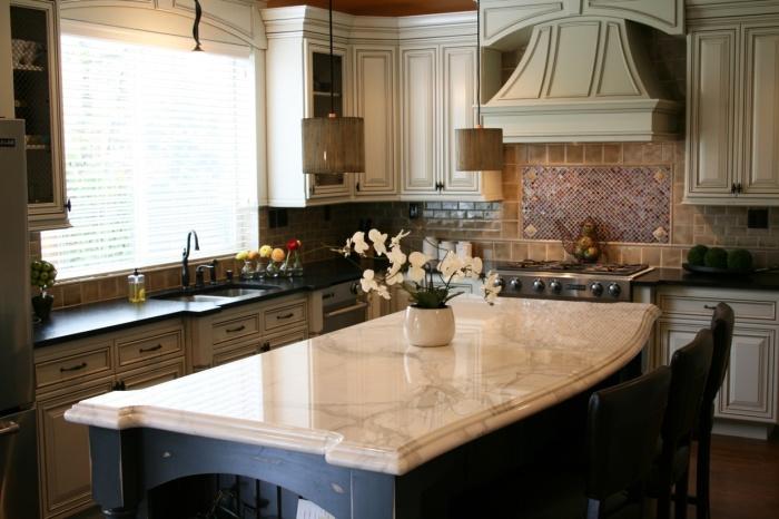 Не используем на мраморных и других натуральных каменных поверхностях. \ Фото: promramor.com.ua.