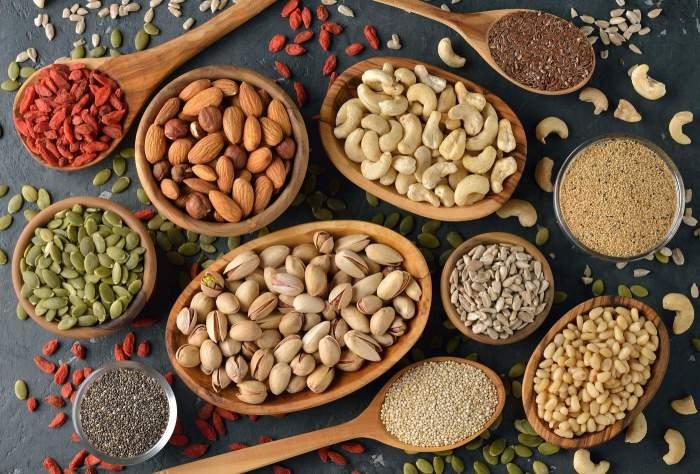 Орехи и семечки. / Фото: shopify.com.