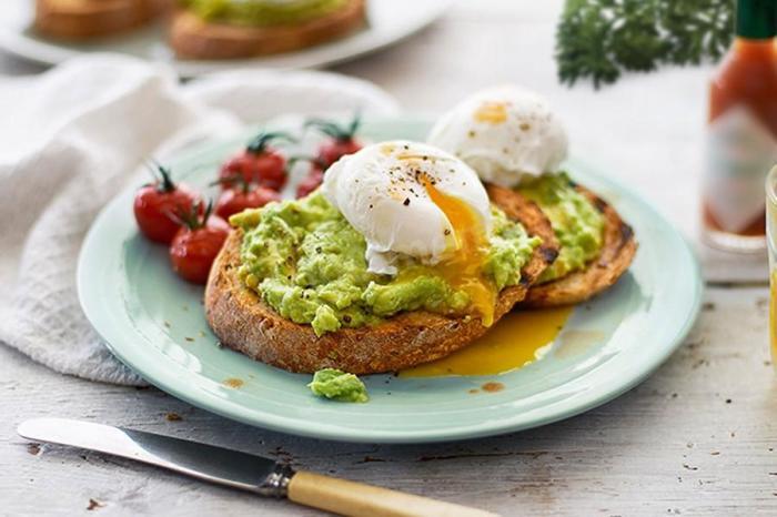 Бутерброд с яйцом пашот. \ Фото: google.com.