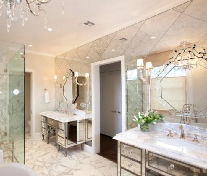 Хорошее решение - использование матовых ламп или светодиодов рядом с зеркальной поверхностью.