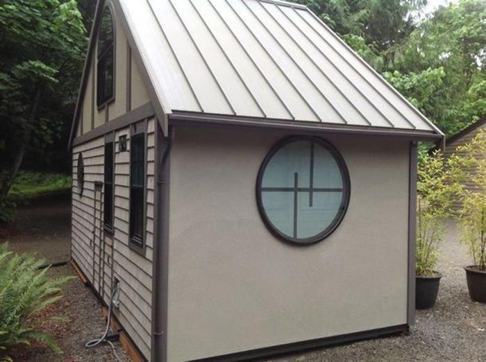 Крохотный дом - идеальное решение для дачи.