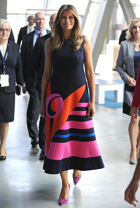 Оригинальное платье от бренда Delpozo.