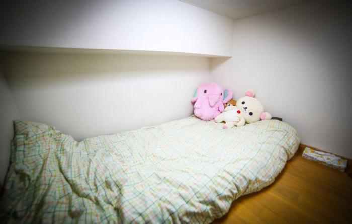 Спальное место под потолком.