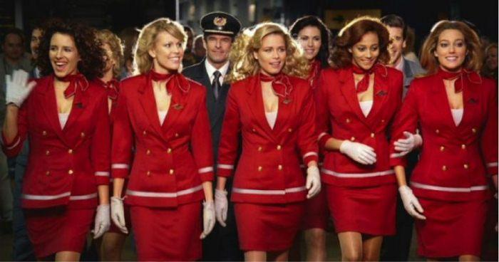 Некоторые стюардессы не против, чтобы знакомство в небе переросло в реальные отношения.
