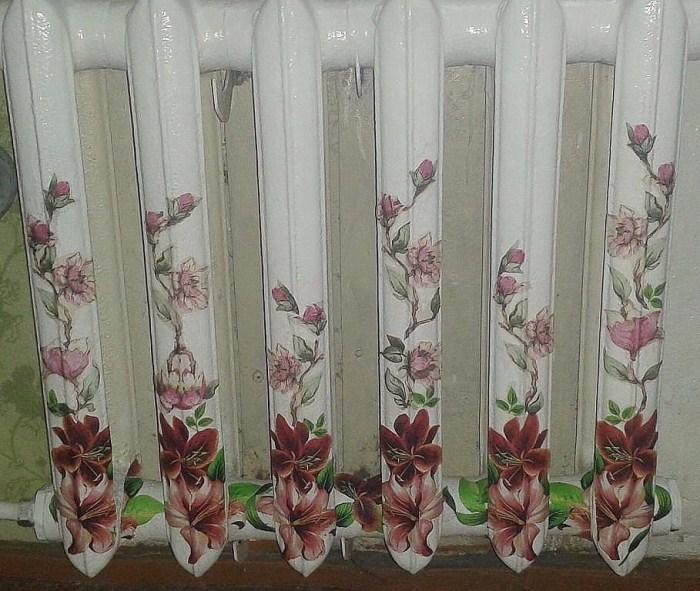 Для декупажа подойдут сервировочные салфетки с цветами.
