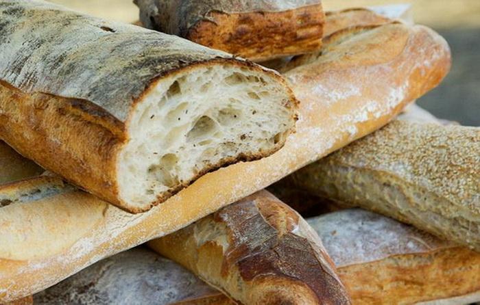Как размягчить зачерствевший хлеб: три простых способа.