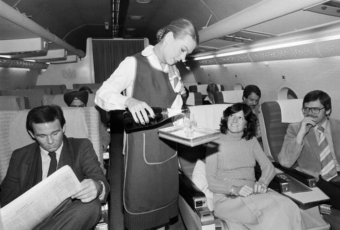 Раньше пассажиры вынуждены были соблюдать строгий дресс-код на борту.