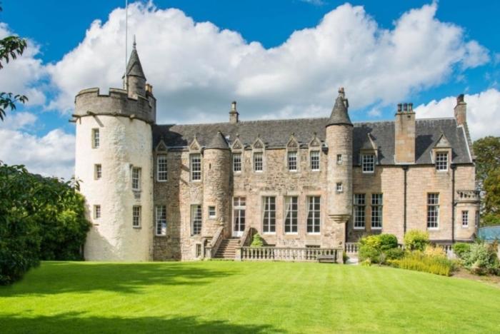 Средневековый замок в Эдинбурге.