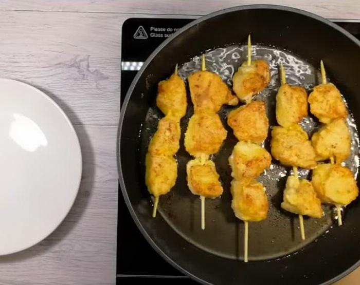 Аппетитные куриные шашлычки.