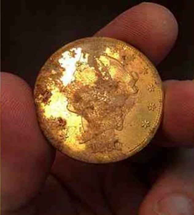 Старинная монета.