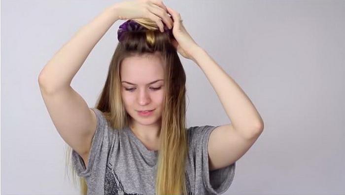 Накручиваем пряди волос на корону.