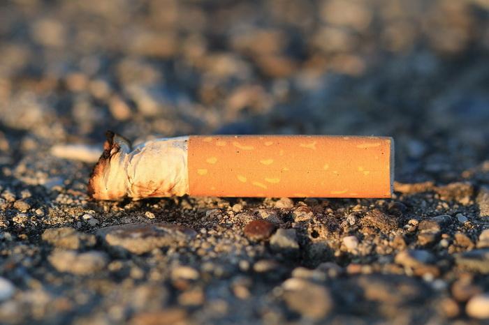 Зубные врачи призывают бросить курить.
