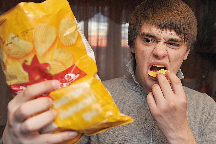От чипсов лучше отказаться.