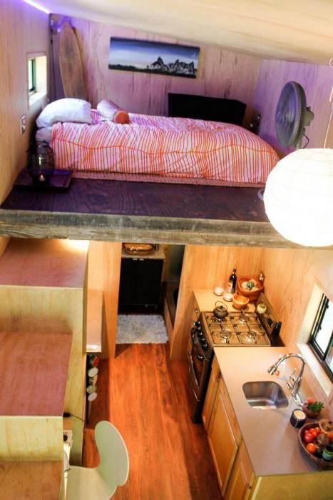 Спальное место располагается на втором ярусе.