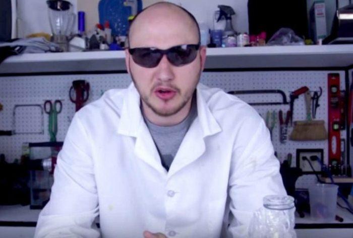 Русский видеоблогер Crazy Russian Hacker провел необычный эксперимент.