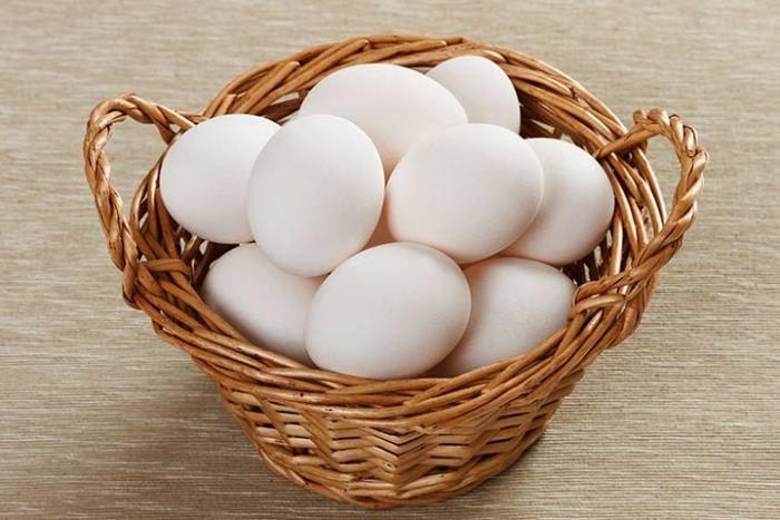 По мнению королевы, яйца с коричневой скорлупой вкуснее.