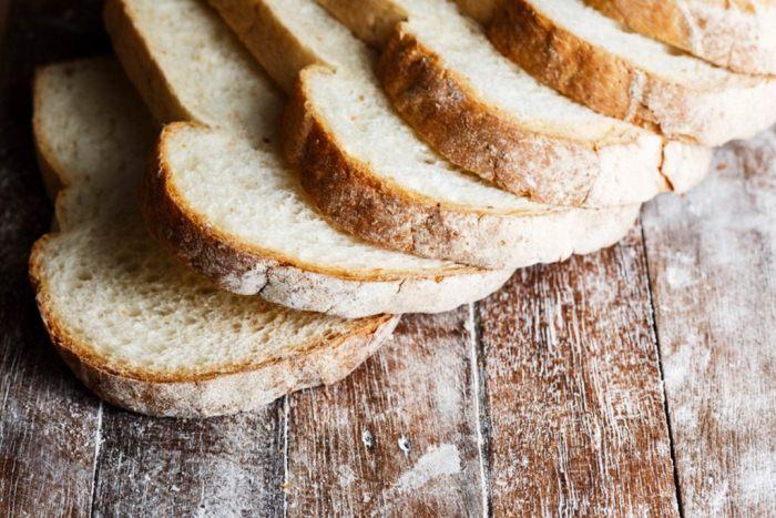 На стол королеве никогда не подают хлебную корочку.