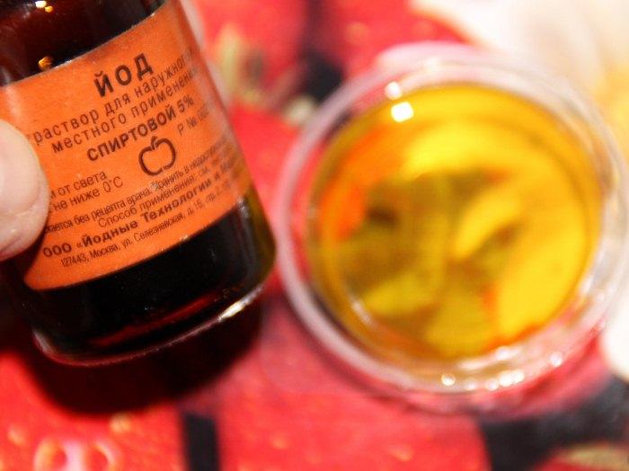 Натуральный мед - полезный продукт.