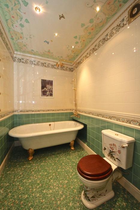 Санузел с царской ванной.