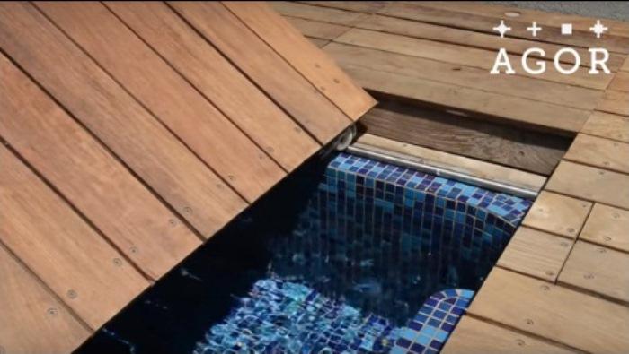Отъезжающая крышка бассейна.
